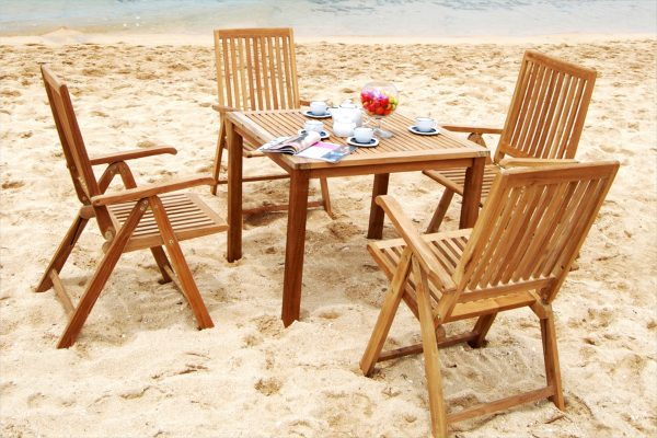 Collection Wooden Milton Reclainer Dining Set