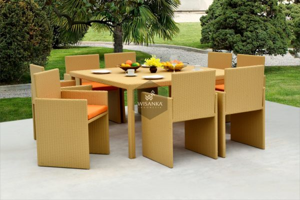 Synthetic Rattan Furniture Tarakan Dining Set