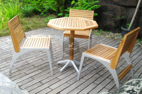 Collection Alloy Casting Laris B Dining Set