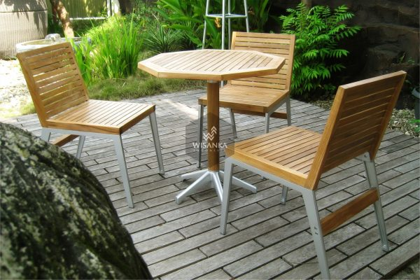 Collection Alloy Casting Laris C Dining Set
